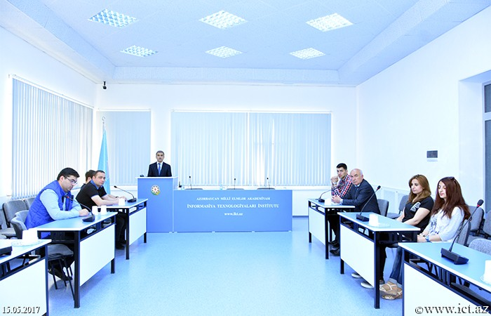 Development of E-maintenance system issues were discussed
