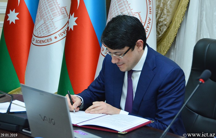 AMEA Rəyasət Heyəti. AMEA ilə Azərbaycan Respublikasının Diasporla İş üzrə Dövlət Komitəsi arasında anlaşma memorandumunun imzalanma mərasimi