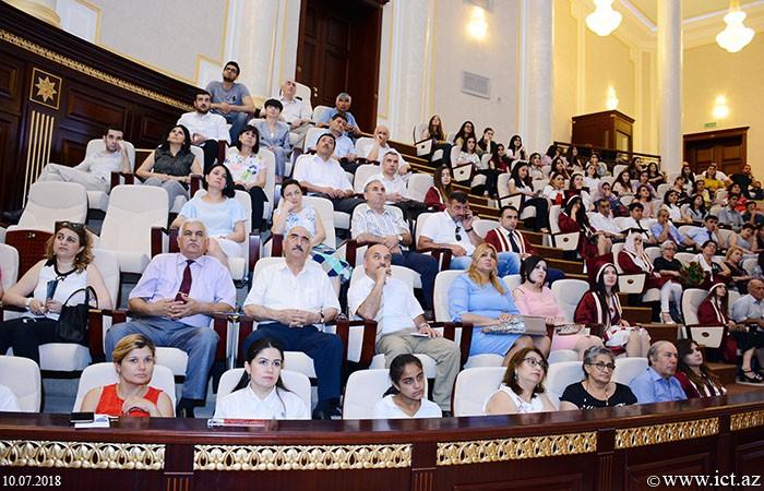 """AMEA-nın Əsas binası. AMEA-nın magistrlərinin """"Məzun günü"""" keçirildi"""