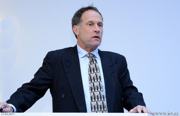 AMEA İnformasiya Texnologiyaları İnstitutu. Silikon Vadisinin nümayəndəsi İnformasiya Texnologiyaları İnstitutunda məruzə ilə çıxış etdi