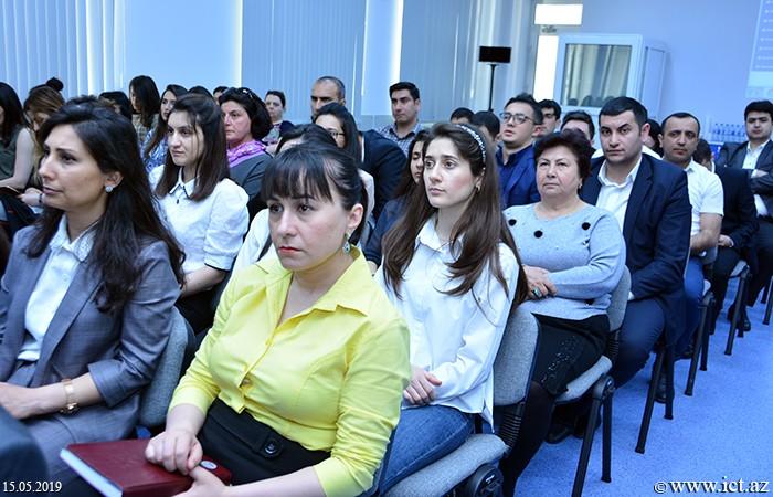 AMEA İnformasiya Texnologiyaları İnstitutu. İnstitutun mütəxəssisləri tərəfindən hazırlanmış milli İKT layihələrinin müzakirəsinə həsr olunan toplantı