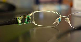 Glasses equipped with biosensors help determine diabetes