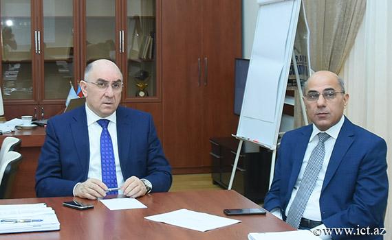 В институте проводятся исследования по проблеме «Формирование, управление и анализ электронного государства»