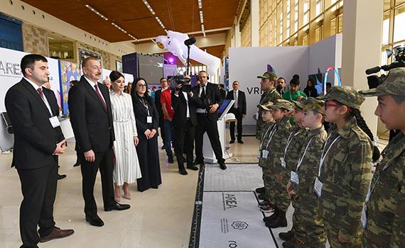 Ильхам Алиев ознакомился с выставкой «Bakutel-2019»