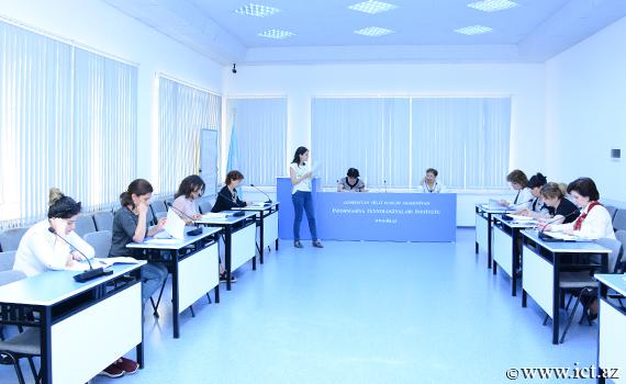 İnstitut əməkdaşları üçün təşkil olunan ingilis dili kursu üzrə imtahanlar başa çatdı