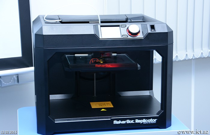 3D printer was exhibited at the Scientific Seminar of the institute