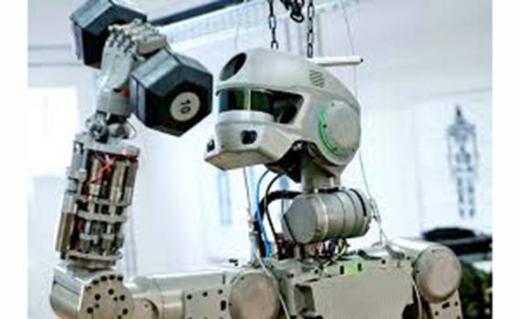 Robot-kosmonavta danışmaq öyrədilib