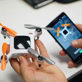 Onagofly is a nano drone for selfie