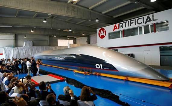 Transport of the Future: Hyperloop Shows Quintero One Passenger Capsule