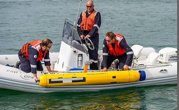 An underwater robot from General Dynamics can participate in military operations.