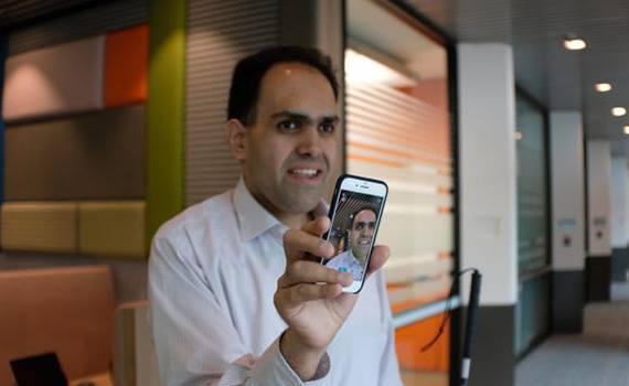 """""""Microsoft""""un yeni proqramı görmə məhdudiyyətli insanlara smartfondakı şəkillərə baxmağa imkan verəcək"""