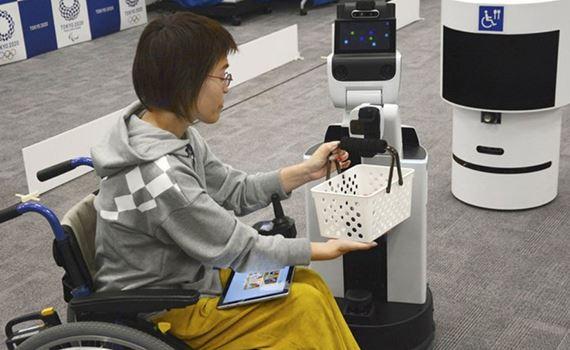 Olimpiadada insanlara kömək edən robotlar təqdim edilib