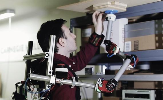 Daşınan robot-əl predmetləri tutub saxlamağa kömək edəcək