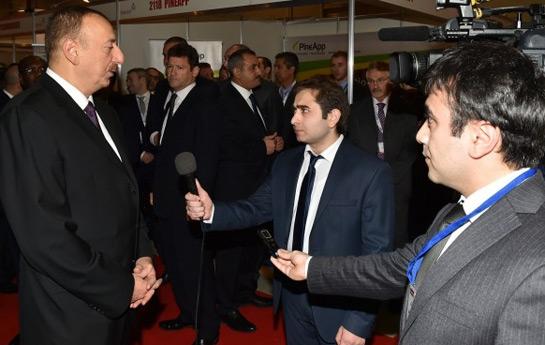 """İlham Əliyev """"Bakutel 2014"""" sərgisində """"Euronews"""" telekanalına müsahibə verib"""