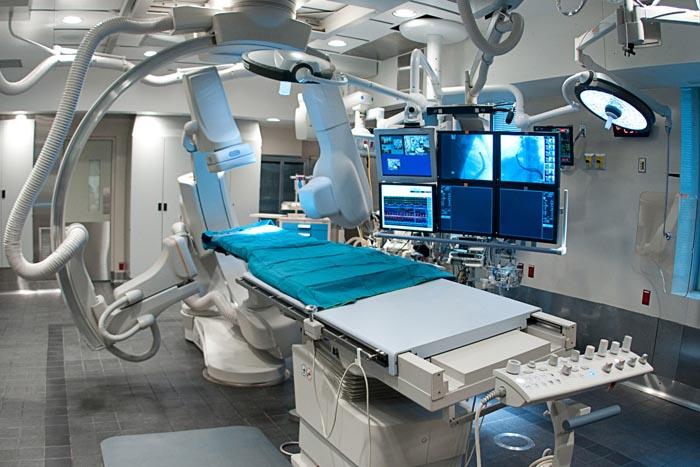 Epilepsiya xəstəsi ilk dəfə robotla əməliyyat olunub