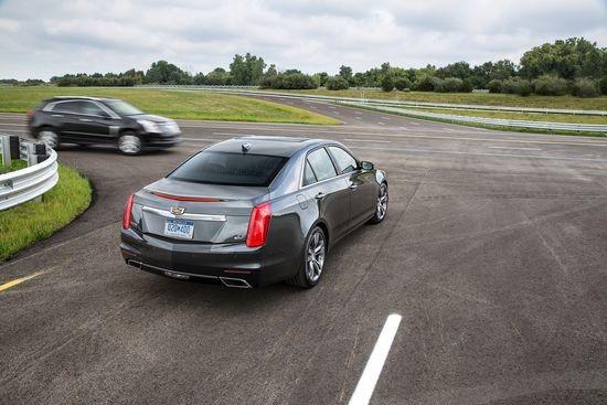 Cadillac avtomobilləri avtomatik idarəetmə funksiyası ilə təchiz ediləcək