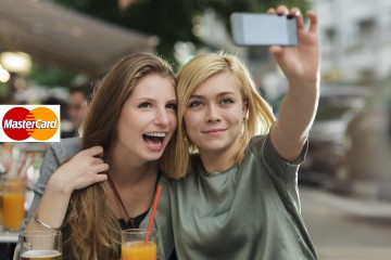 """""""MasterCard"""" parol əvəzinə """"selfie"""" şəkillərdən istifadəyə qərar verib"""