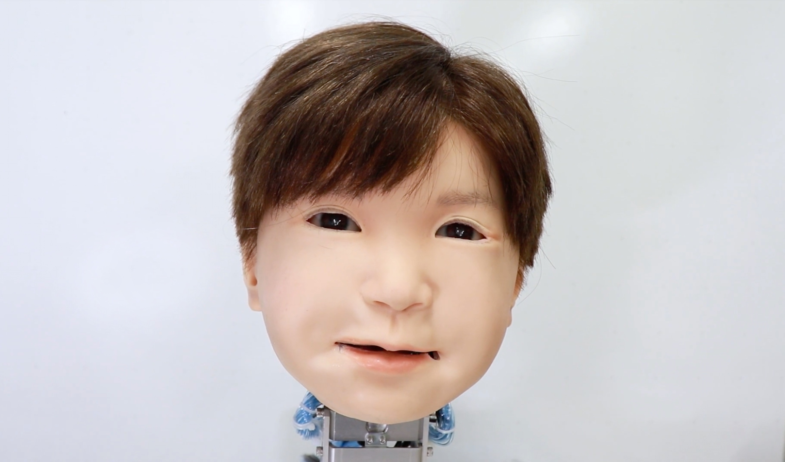 The robot with the face of a child: the second generation from Japanese researchers