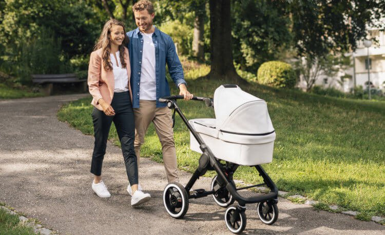 "Bosch introduced the ""smart"" stroller. What can she do"