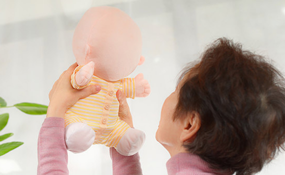 Vstone introduced a robotic baby without a face