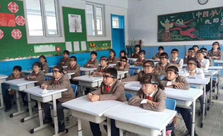 Chinese school students are required to wear special headbands to monitor their attention.