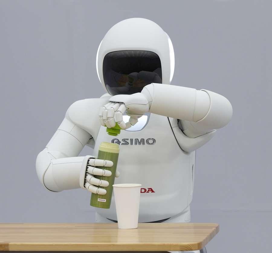 A bipedal robot with human reflexes