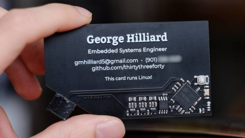 Microcomputer  in the form of a business card developed