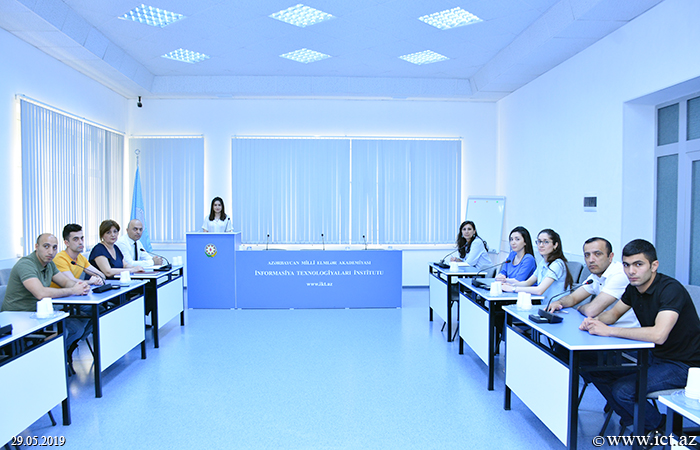 ,Discussion of offset printing technology and its main advantages took place