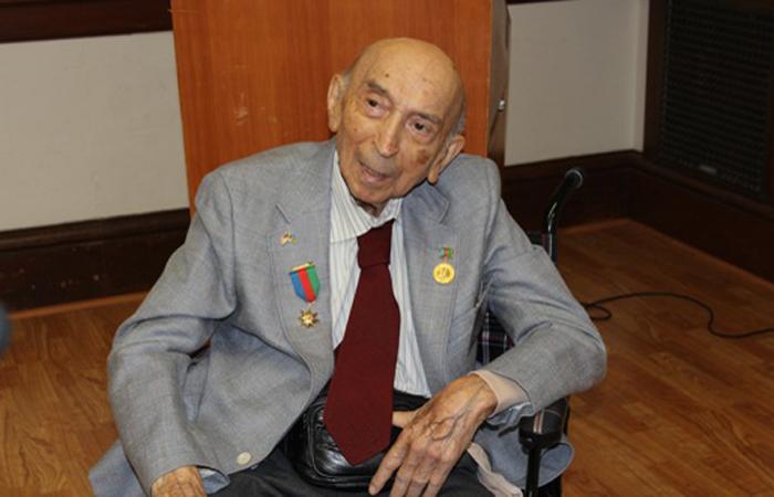 Nizami Gəncəvi adına Qızıl Medal görkəmli alim Lütfi Zadəyə təqdim edilib