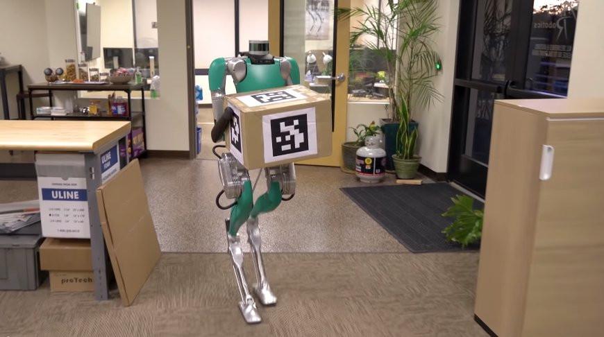 """Robot-kuryer """"Agility Robotics"""" şirkətində işləməyə başlayıb"""