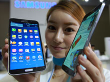 Samsung to launch flexible display
