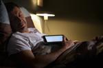 Smartfonlardan istifadə yuxusuzluğa səbəb olur