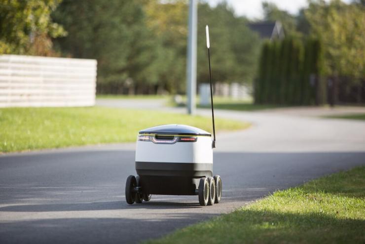 Məhsulların çatdırılması ilə məşğul olan robotlar hazırlanır